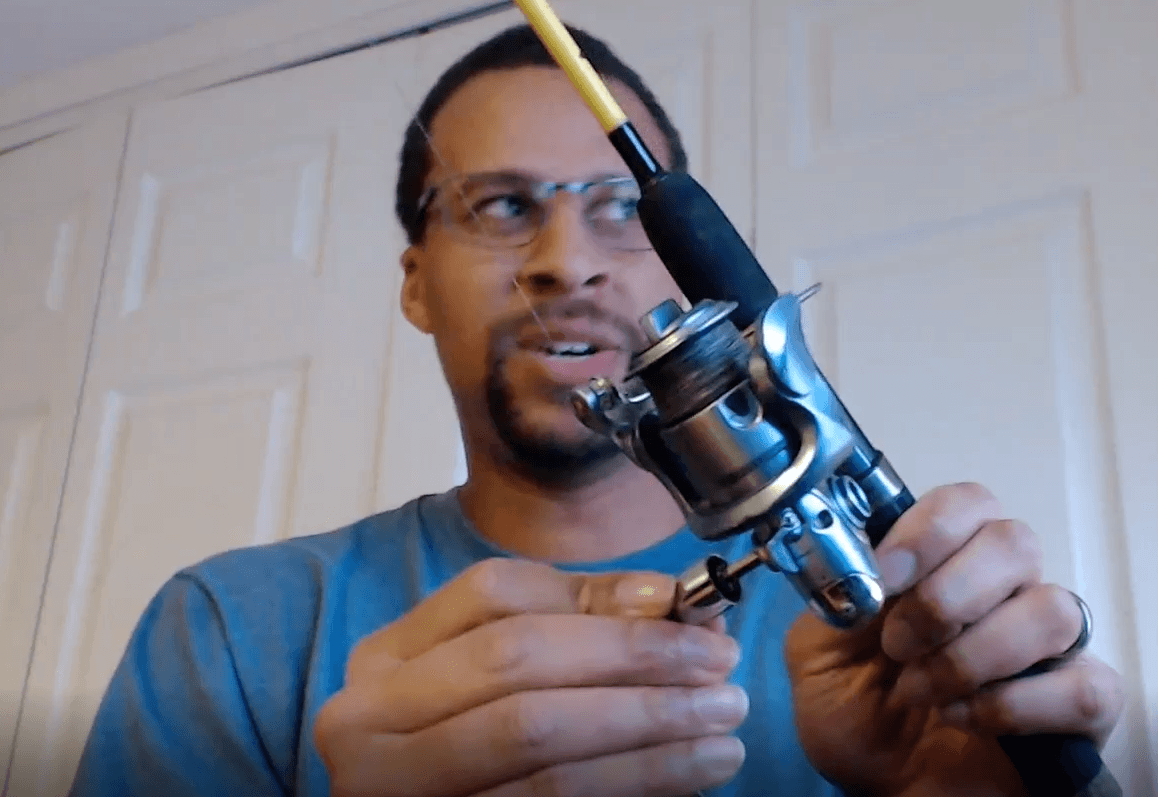 switch the fishing reel knob and handle